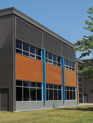 Centre Mario Tremblay Alma (2).JPG
