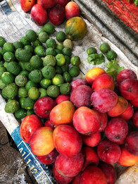 Fresh fruits from Mozambique.JPG