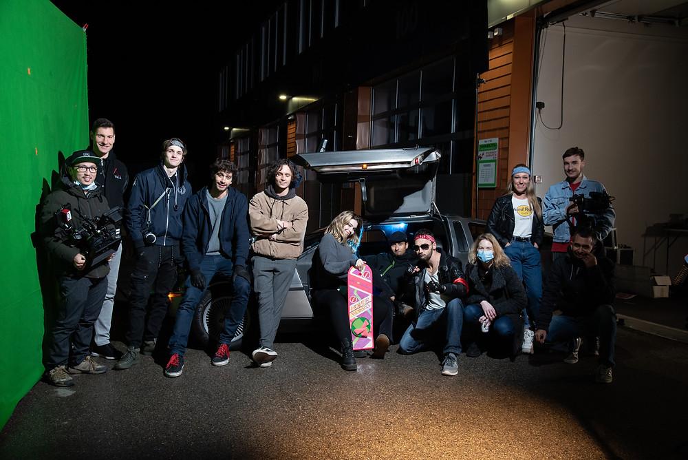le groupe du tournage du film de RETROTAPE