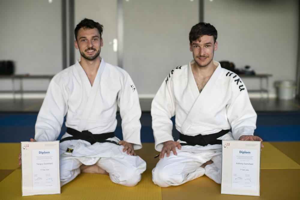 Bravo aux frères guinchard pour l'obtention de leur 1Dan de Judo!