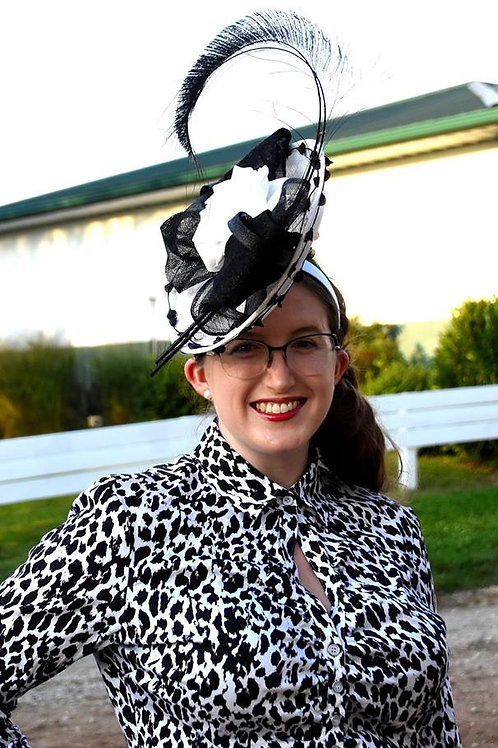 Black and White Disc Fascinator with Wired Petals