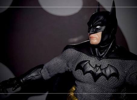 UnBoxing | Mezco BATMAN: Sovereign Knight