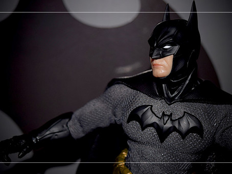 UnBoxing | Mezco BATMAN: Sovereign Knight