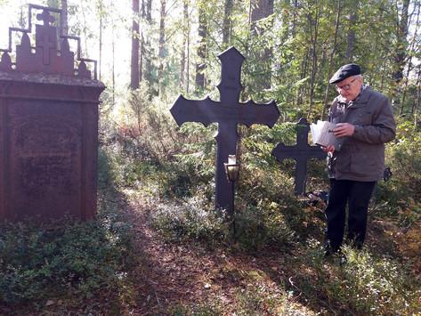 Kotiseutukävelyllä karttui reipas annos Puolangan historiaa