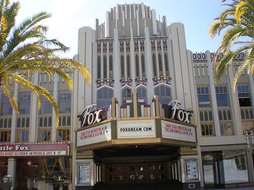 Fox_Theatre,_Redwood_City_front_1.jpg