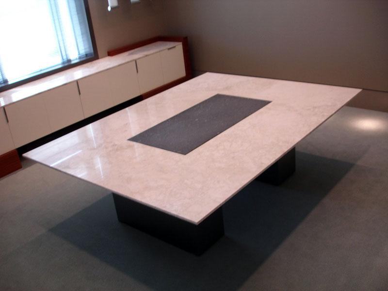 twocolor-marble-conftable