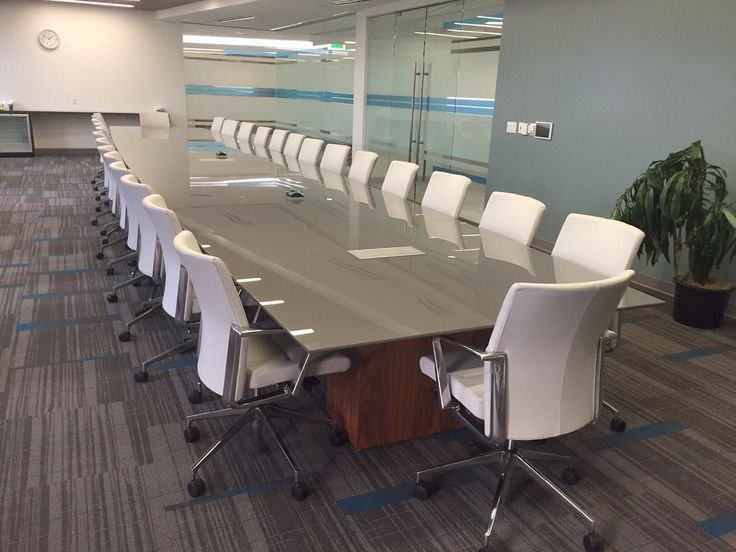 2d5b02cc89e78efbd6c7a331ef32b82e--conference-table-corporate
