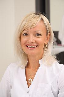 Зуева Татьяна Валерьевна  главный врач клиники