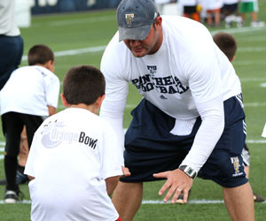 ncaa_football_youth_clinic3.jpg