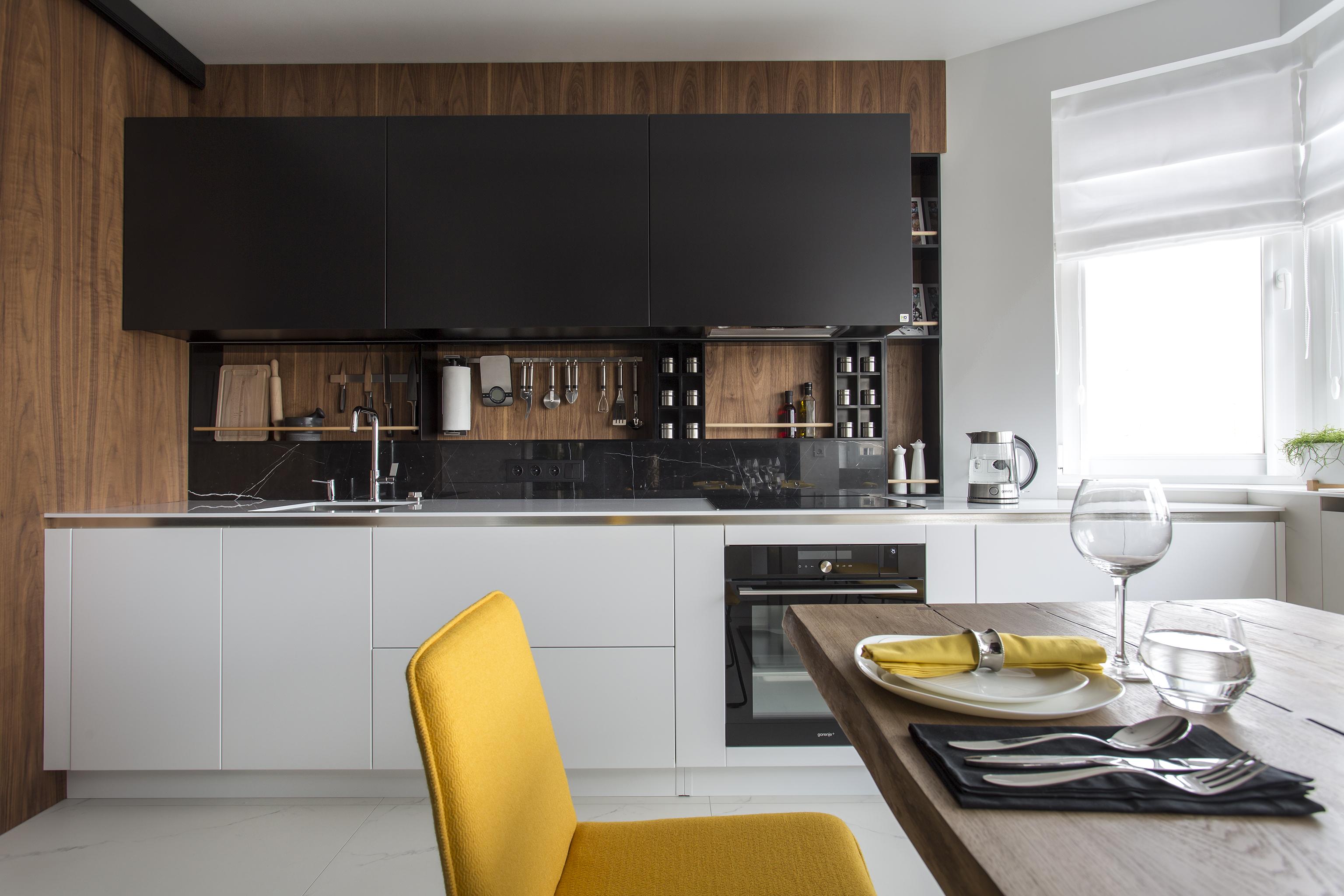 Кухня Black and White