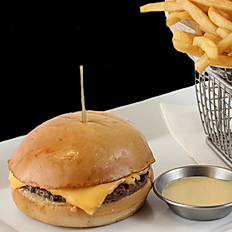 KIDS BURGER W/FRIES