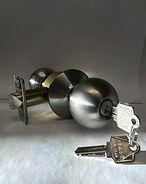 Knobset entry lock