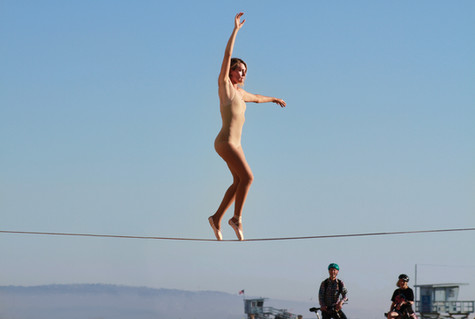 Pointe on a Slackline