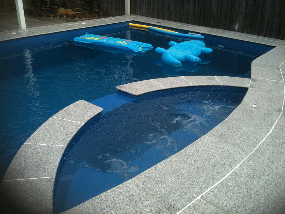 Pool Pavers Benchtops Supplier In Melbourne Hl Stone World Peppermint Granite