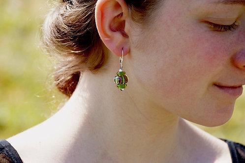 Ohrhänger grün und rot gemustert
