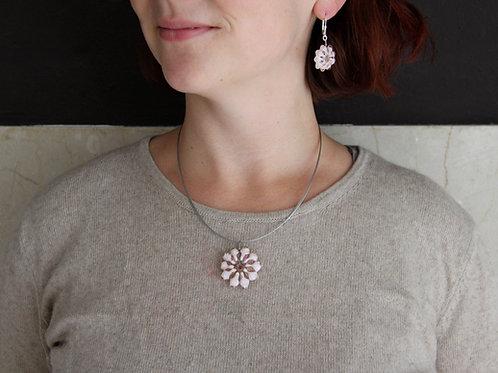 Mandalaperle Rosalin-Hellrosa auf Collier