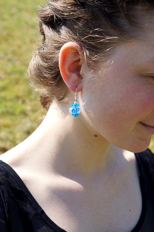 Ohrhänger hellblau gemustert