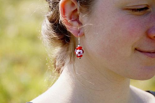 Ohrhänger granatrot mit Blume