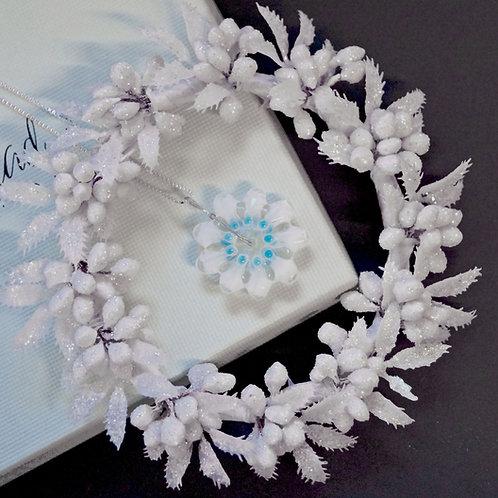 Eisblume weiß-blau auf Silberkette