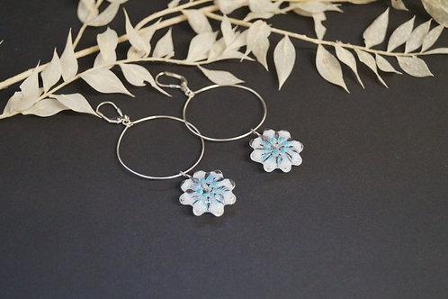 Creolen mit Eisblumen weiß-blau