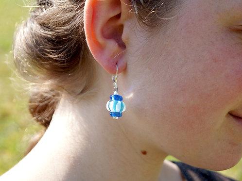 Ohrhänger hellblau und mittelblau gestreift