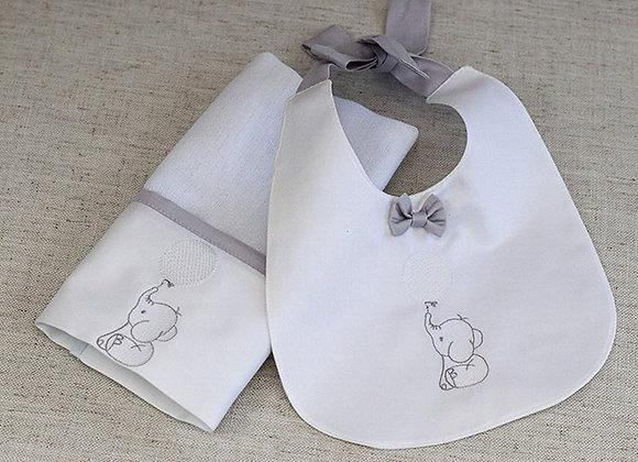 Kit - Pano de Boca e Babador com Bordado de Elefantinho e Balão Branco