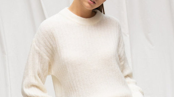 Pull ronde hals ribbel off-white