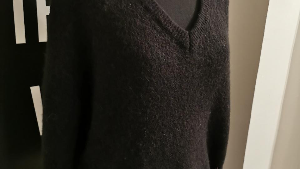 V pull oversized (recht model) zwart