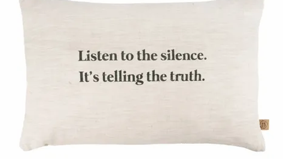 Kussen listen to the silence 60 x 40 cm