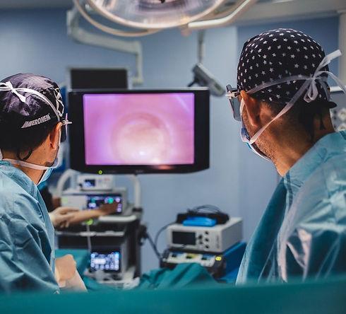 3d-laparoscopia-para-urologia-1_edited.j