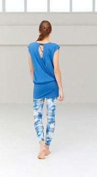 julier-blue-yogawear-coordination.jpg