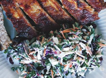 Hjemmelavede BBQ-Spareribs med nordisk coleslaw