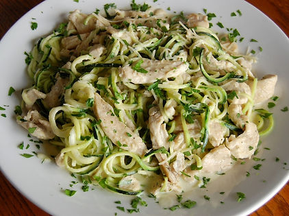 Chicken-Alfredo-with-Zucchini-Noodles-10