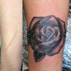 Simple scar cover up