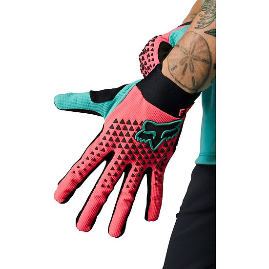 Womens Defend Gloves