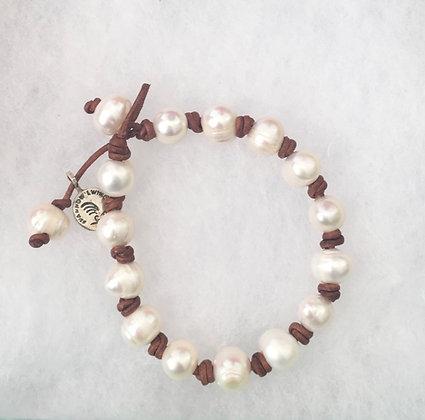 Small Pearl Lei Bracelet