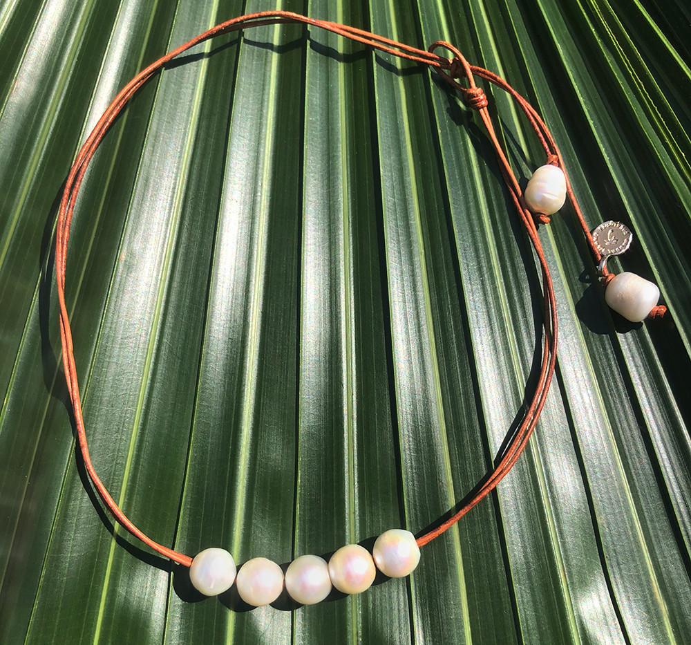 """Menehune"""" necklace (Adventure) AVME01–$1"""