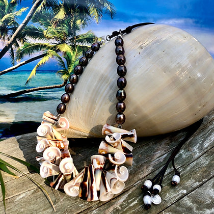 Hawaiian Trumpet Seashell Necklace