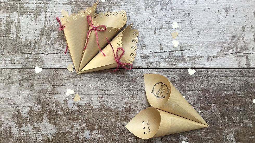 Conetti con fiocco o scritta in delicata carta kraft