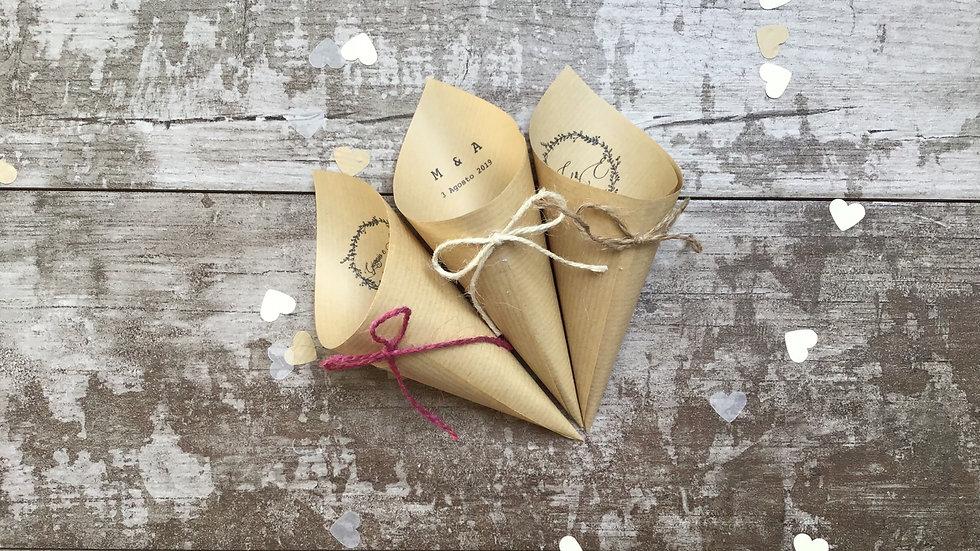 Conetti con fiocco + scritta in delicata carta kraft