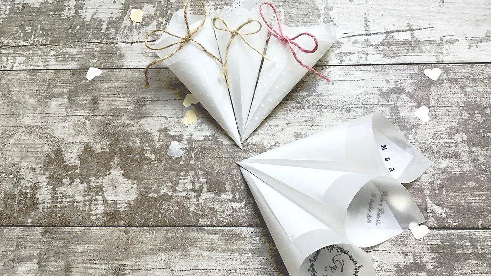 Conetti con fiocco o scritta in delicata carta trasparente