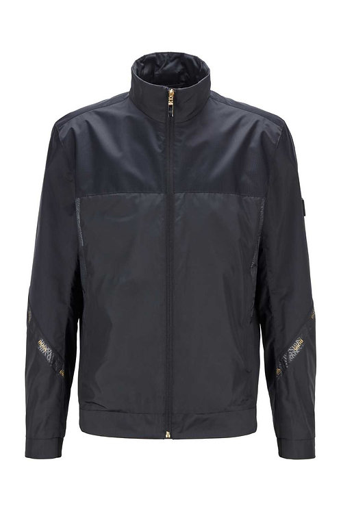 Regular-fit water-repellent jacket in recycled fabric in black