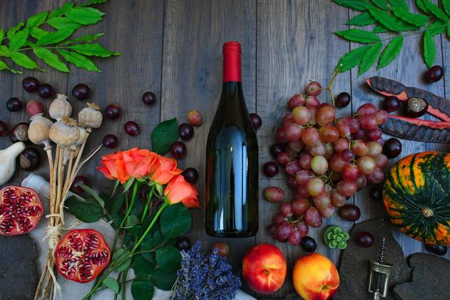 apples-berries-bottle-1407857.jpg