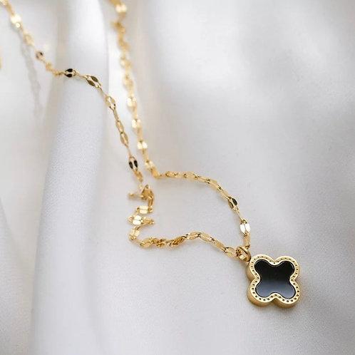 Clover Necklace / Black