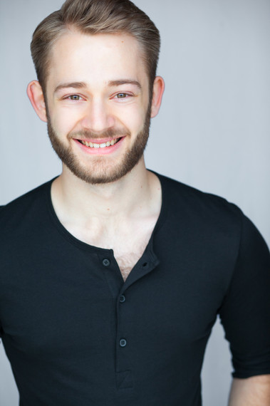 Headshot by Ronnie Nelson