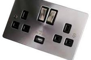 Click 13A 2G switch socket BS/Black insert USB