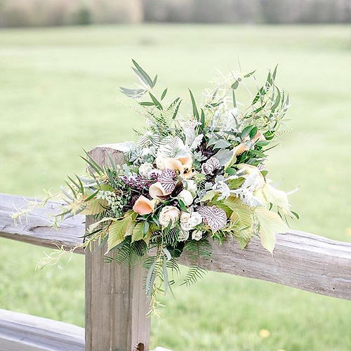 Still loving this bouquet💓_#Repost _melissagebertphoto with _get_repost_・・・_The blog post all about