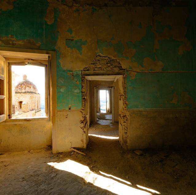 Craco Palazzo Abandonado