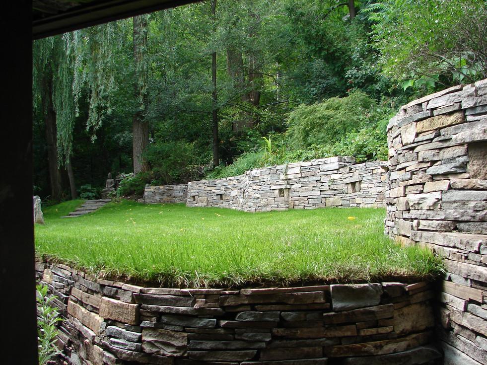 Muret et escalier de pierre