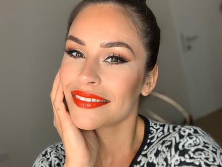 Is a ring light a Makeup Artist Essential ?